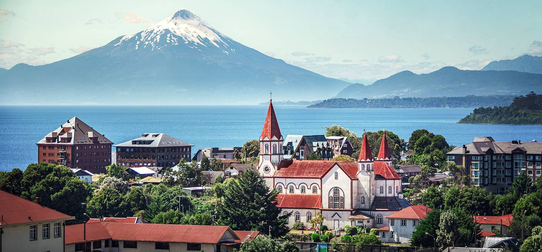 Puerto Varas avec le Volcan Osorno en toile de fond - Chili