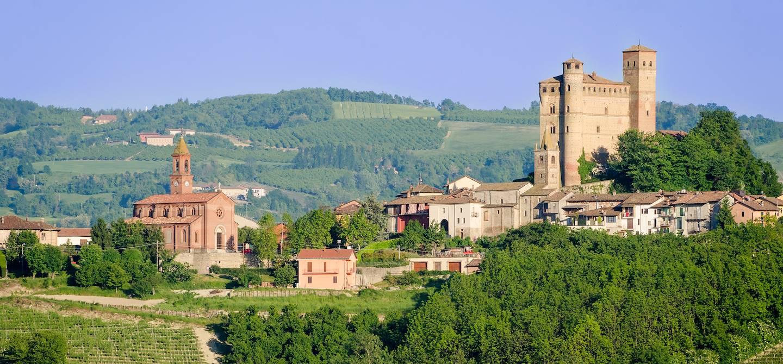 Château de Serralunga d'Alba - les Langhe - Piémont - Italie
