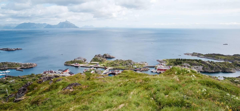 Vue de Stamsund depuis le sommet Kattberget - Îles Lofoten - Norvège