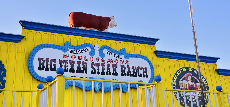 Enseigne du célèbre Big Texan Steak Ranch - Amarillo - Texas - États-Unis
