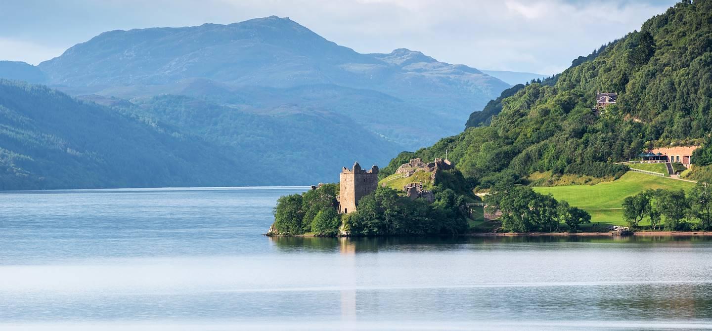 Château d'Urquhart au bord du Loch Ness - Écosse - Royaume-Uni