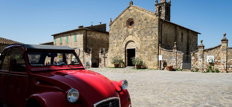 Le village médiéval Monteriggioni - Toscane - Italie