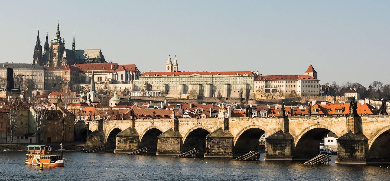 Vue sur le Pont Charles et le Château - Prague - République Tchèque