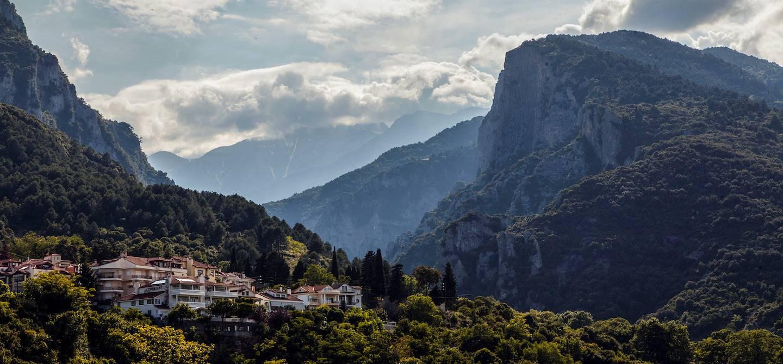 Vue le Mont Olympe depuis le village Litochoro - Litochoro - Thessalonique - Grèce