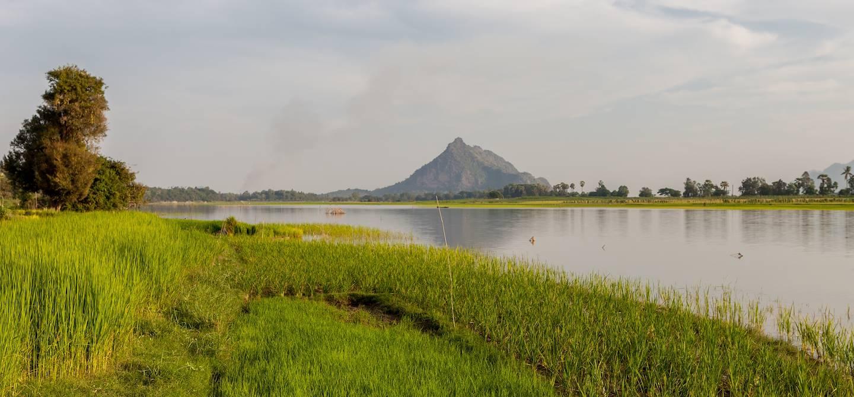 Fleuve Salouen (ou Salween), près de Hpa-An - Hpa-An - Birmanie