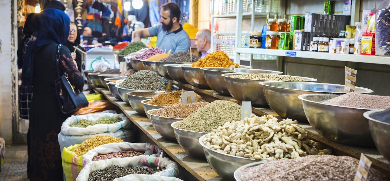 Magasin d'épices dans le grand bazar d'Ispahan - Iran