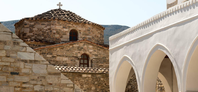 Vue de l'église Panagia Ekatontapiliani - Parikiá - Île de Paros - Grèce