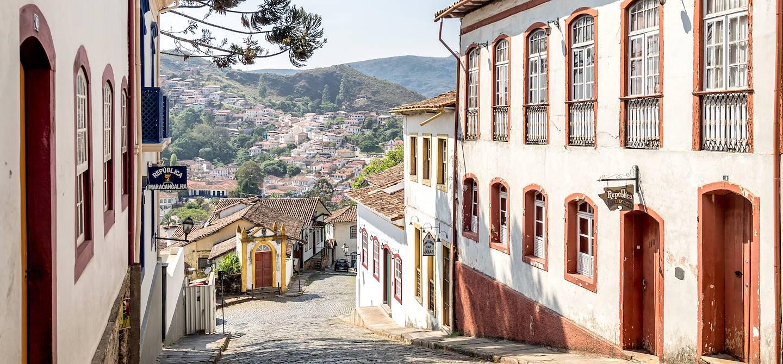 Rues pavées typiques de la cité coloniale - Ouro Preto - Minas Gerais - Brésil
