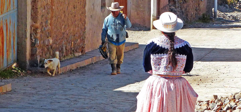 Dans une rue de Coporaque - Canyon del Colca - Province d'Arequipa - Pérou
