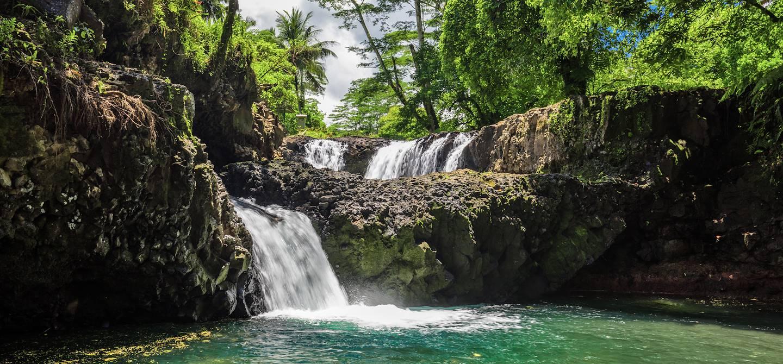 Chutes d'eau de Togitogiga sur l'île d'Upolu - Archipel des Samoa