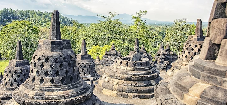 Le temple de Borobudur au centre de l'ïle - Magelang - Java - Indonésie