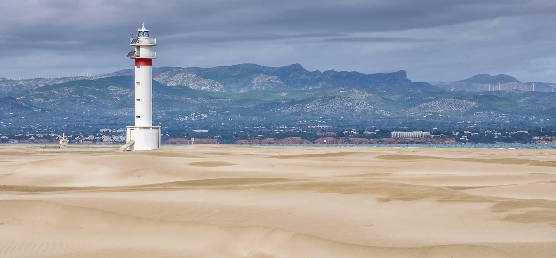 Le phare del Fangar dans le delta de l'Ebre - Catalogne -  Espagne