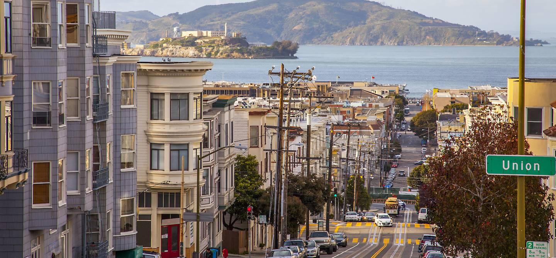 Vue de l'île d'Alcatraz depuis San Francisco - Californie - États-Unis