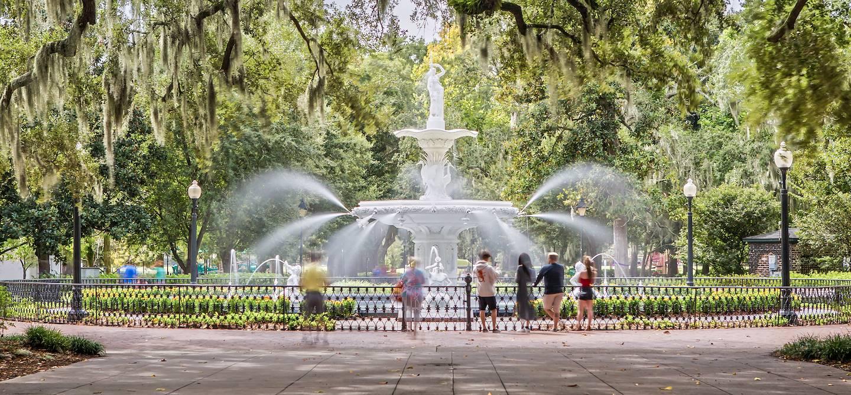 Fontaine dans le parc Forsyth à Savannah - Géorgie - Etats-Unis