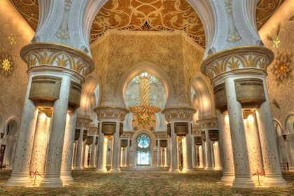Salle de prière de la mosquée Sheikh Zayed - Abu Dhabi - Emirats Arabes Unis - tobago77/fotolia.com