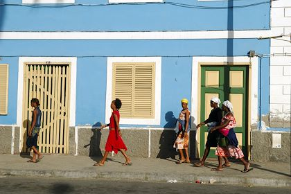Dans les rues de Mindelo - Île de Sao Vicente - Cap Vert - GUIZIOU Franck / hemis.fr