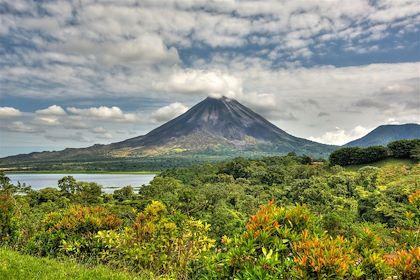 Volcan Arenal - Réserve de Santa Elena - Costa Rica - Ferkelraggae/fotolia.com