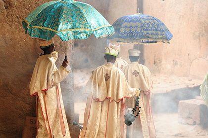 Prêtre à Lalibella - Région Amhara - Ethiopie - Rafal Cichawa/Stock.adobe.com