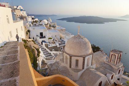 Oia - Santorin - Les Cyclades - Grèce - Jon Arnold Images/hemis.fr