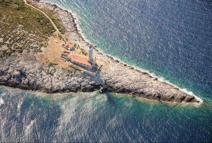Phare sur l'île de Vis - Croatie - Boris Kragic/Croatian national tourist board