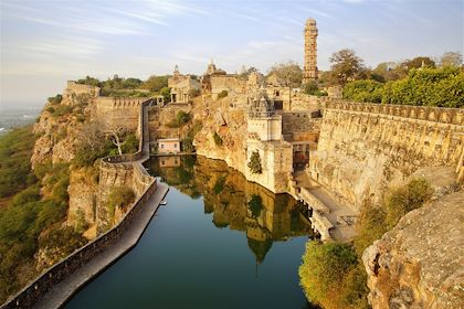 Le fort et la Tour de la Victoire de Chittorgarh - Rajasthan - Inde - Marina Ignatova/fotolia.com