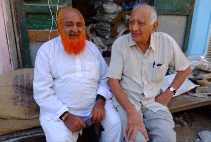 Portrait de deux hommes assis à Jodhpur - Rajasthan - Inde - Maryline Goustiaux