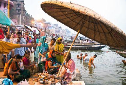 Pélerinage à Varanasi - Uttar Pradesh - Inde - Mauritius/hemis.fr