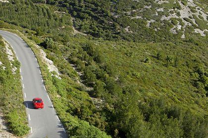 Ferrari sur les routes bolognaises - Italie - MOIRENC Camille / hemis.fr