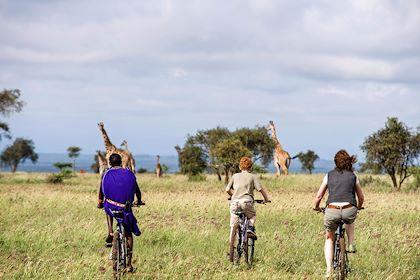Safari à vélo au Kenya - John Warburton Lee/hemis.fr