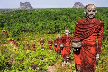 Vallée des monks - Moulmein - Birmanie - Asie - Rodrigo Mello Nunes/fotolia.com