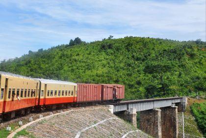 Dans le train de Kalaw à Shwe Nyaung - Birmanie - Easia Travel