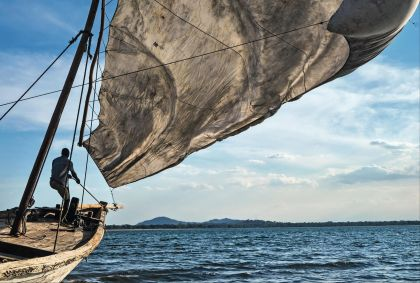 Bateau de pêche sur le lac Malawi - Travel Collection/hemis.fr