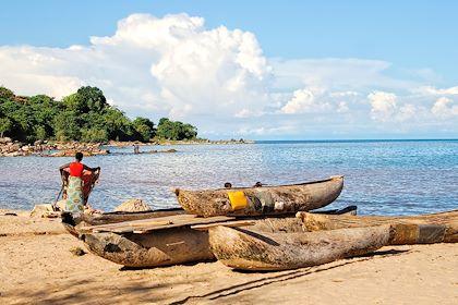 Scène de vie au bord du lac Malawi - Malawi - erichon/stock-adobe.com