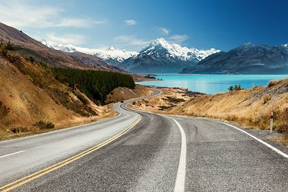Vue sur le Mont Cook et le lac Pukaki - Nouvelle-Zélande - Stephane Pothin/stock.adobe.com