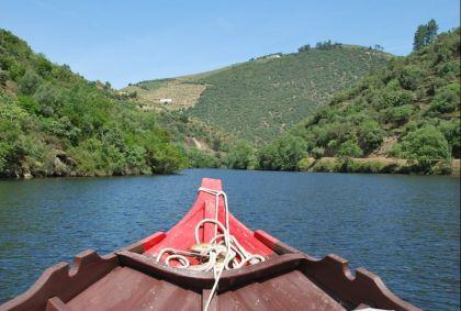 Au fil de l'eau, sur le Douro, en rabelo - Pinhao - Portugal - Magni´fico Douro