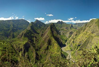 Cirque de Mafate dans le parc national de la Réunion - Ile de la Réunion - Frog 974/fotolia.com