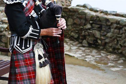 Joueur de cornemuse - Highlands - Écosse - NilsZ/fotolia.com
