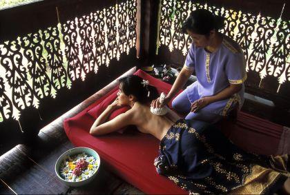 Massage dans un spa de Chiang Mai - Thaïlande - Paule Seux/hemis.fr