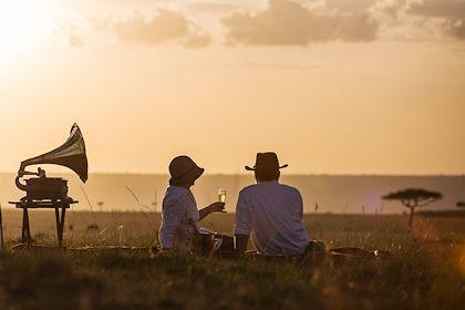 Couple en Tanzanie - Jon Arnold Images/hemis.fr