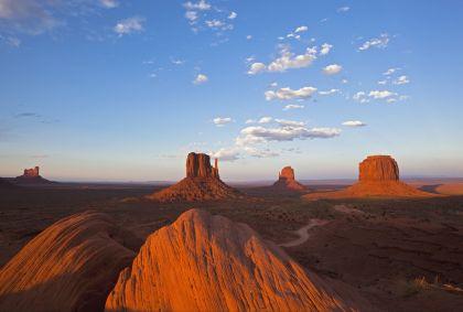 Monument Valley - Utah - Etats-Unis - Fotofeeling / AGE Fotostock