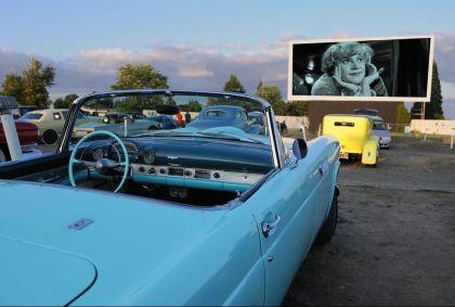 Voiture américaine dans un Drive-In - Dallas - Oregon - Etats-Unis - Christian Heeb/hemis.fr