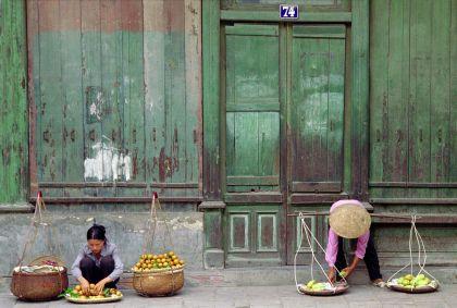 Vendeuses dans les rue d'Hanoi - Vietnam - Alexandre Ayer /fotolia.com