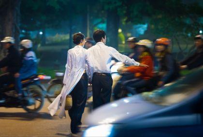 Couple dans les rues d'Hanoi - Vietnam - Konstantin Yolshin/fotolia.com