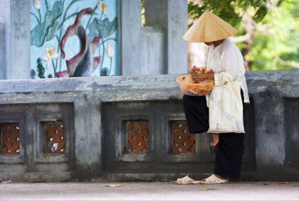 Vendeur dans les rues d'Hanoi - Vietnam - Gnomeandi/fotolia.com