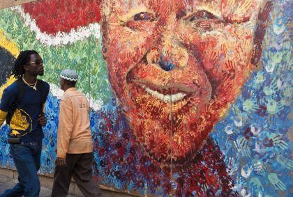 Peinture murale de Nelson Mandela dans le quartier de City Bowl - Le Cap - Afrique du Sud - Franck Guiziou/hemis.fr