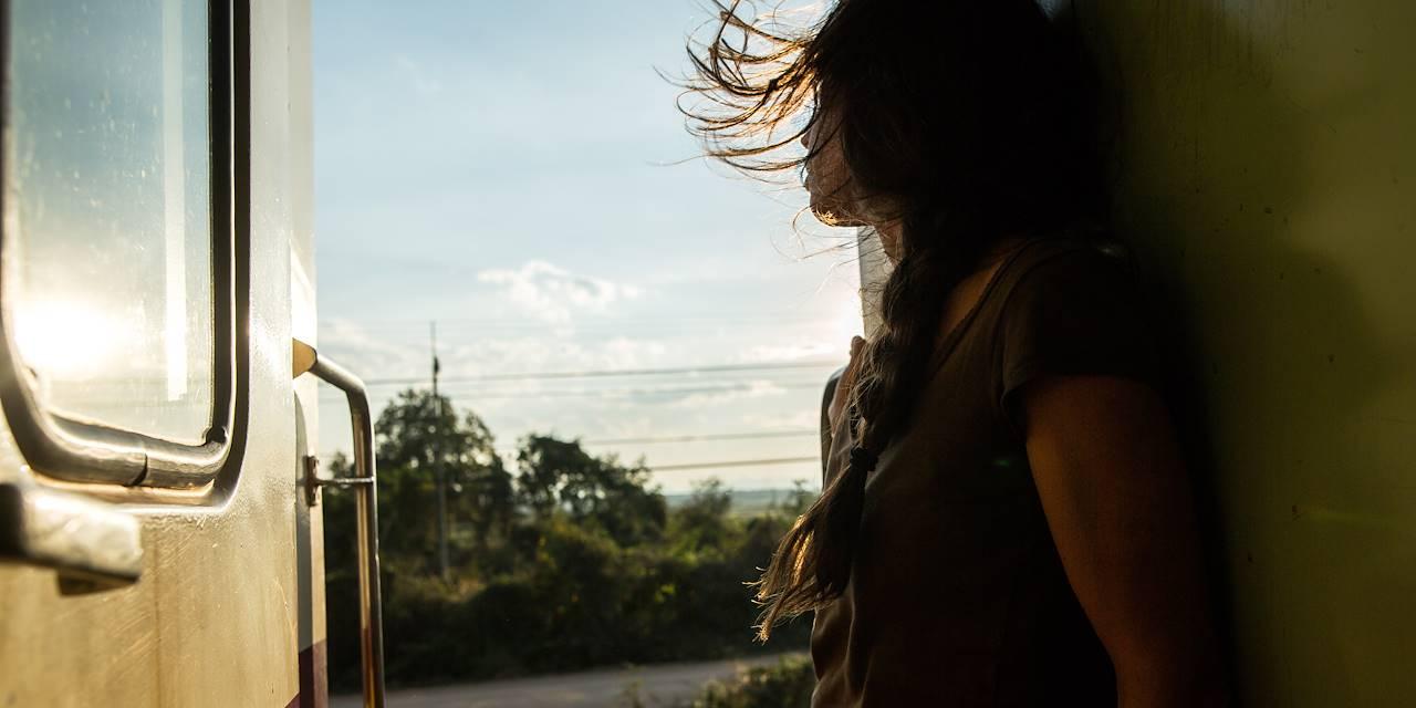 Voyage dans le train de nuit reliant Bangkok / Chiang Mai - Chiang Mai - Thaïlande