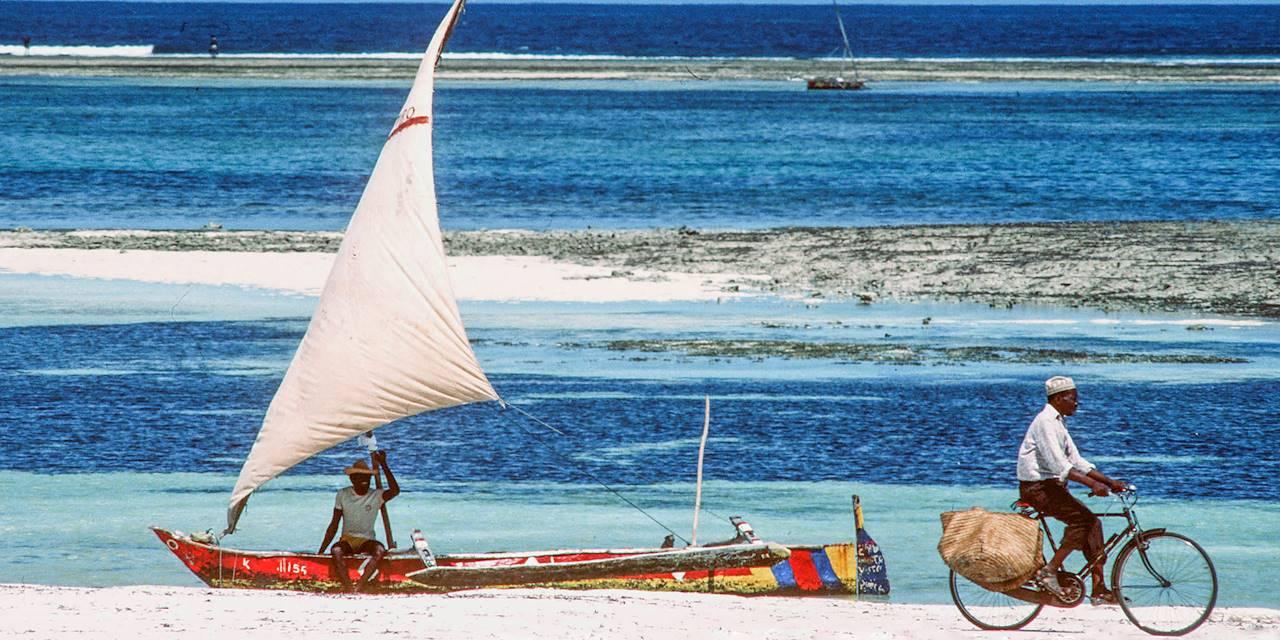 Sur une plage de Mombasa - Kenya