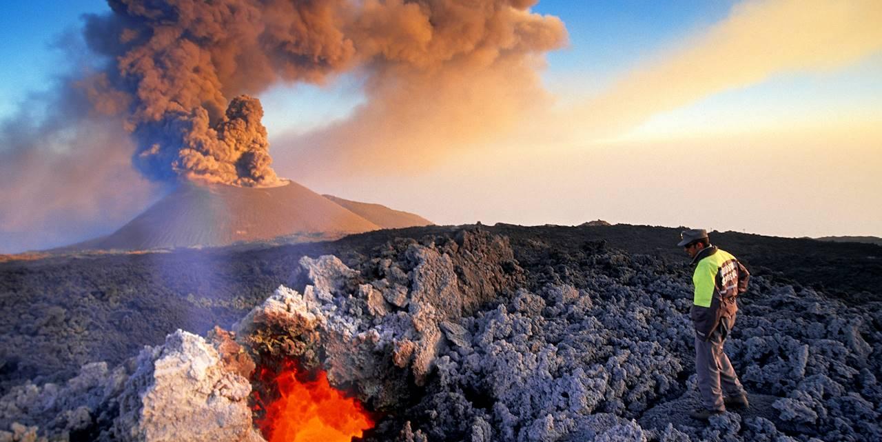 Éruption du volcan Etna en 2001 - Etna - Sicile - Italie