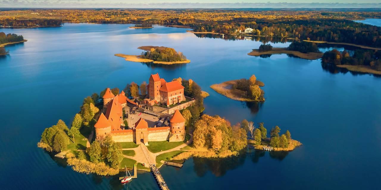 Vue aérienne du château de Trakai - Lituanie