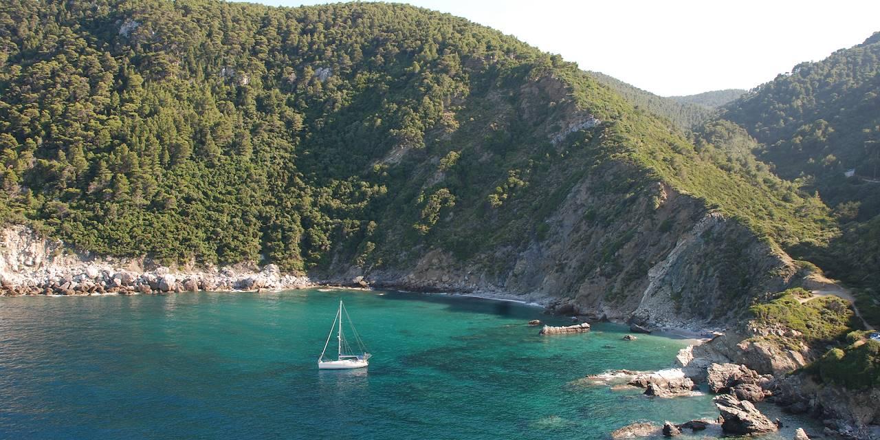 Vue d'une baie à Skopelos - Sporades- Grèce